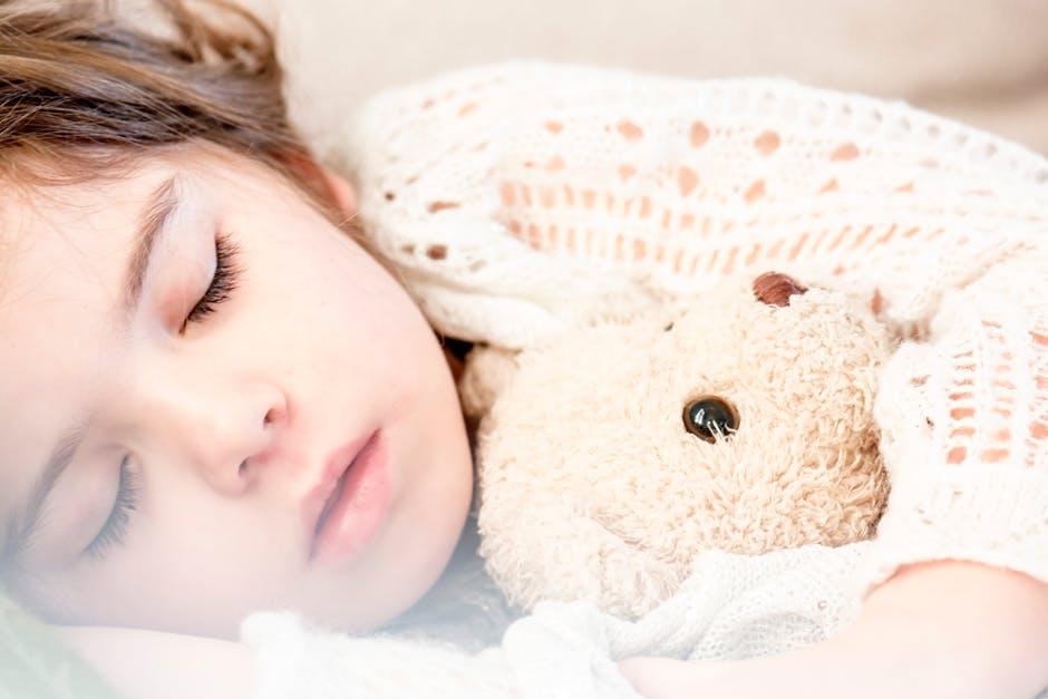10 Tips om je kind te leren doorslapen